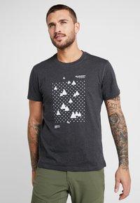 Mammut - SLOPER  - T-shirt con stampa - black melange - 2