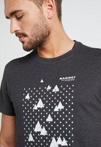 Mammut - SLOPER  - T-Shirt print - black melange - 4