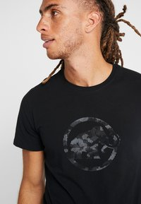 Mammut - Camiseta estampada - black - 4