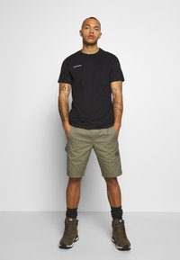 Mammut - MASSONE - Print T-shirt - black - 1