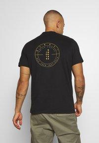 Mammut - MASSONE - Print T-shirt - black - 2