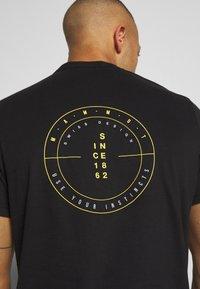 Mammut - MASSONE - Print T-shirt - black - 5
