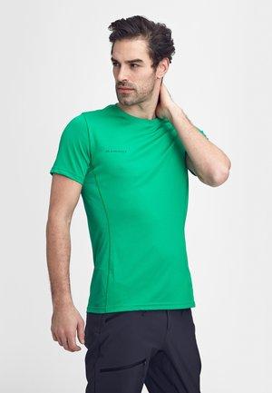 SERTIG  - T-shirt basic - light emerald
