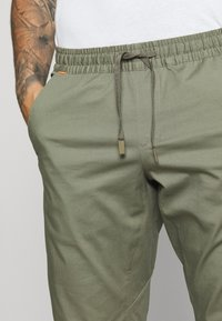 Mammut - CAMIE PANTS MEN - Tygbyxor - tin - 3