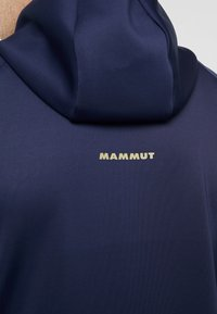 Mammut - AVERS HOODED JACKET MEN - Kurtka z polaru - peacoat/boa - 6