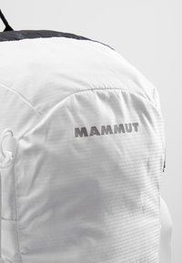 Mammut - LITHIUM SPEED - Mochila de senderismo - white/black - 7