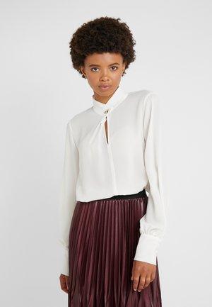 DAMINA - Blouse - wool white