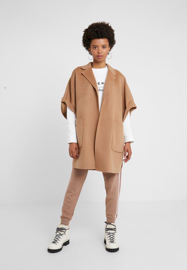 LOTUS - Wollmantel/klassischer Mantel - camel