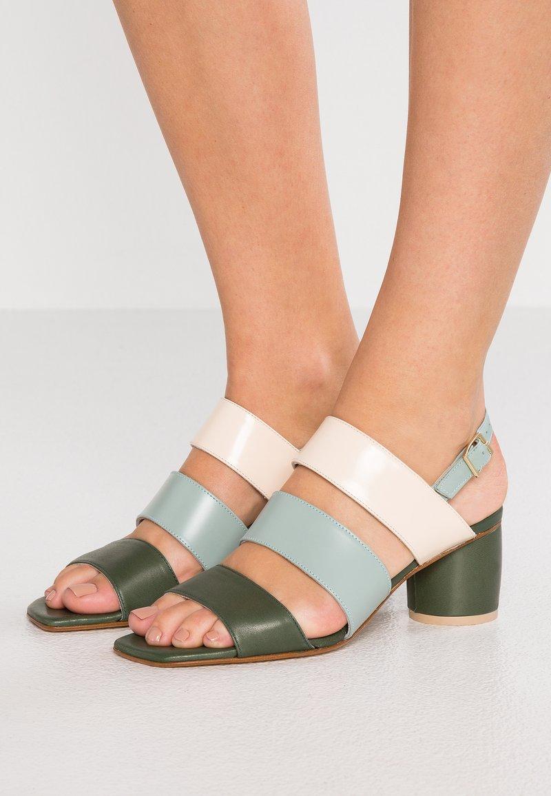 MIISTA - IVON - Sandals - multicolor