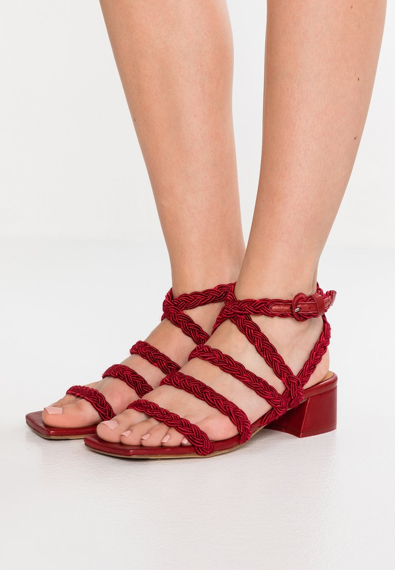MIISTA - BOSSA - Sandals - red