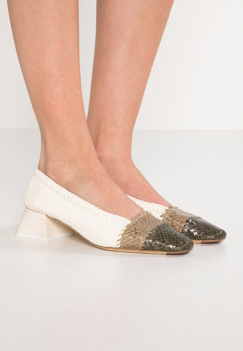 MIISTA - EIVISSA - Classic heels - white