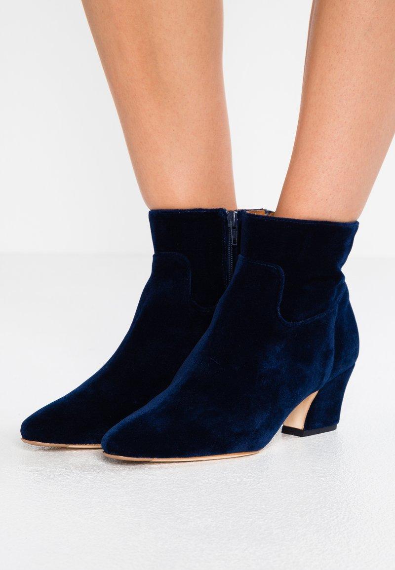 MIISTA - LORELLE - Ankle boots - deep navy