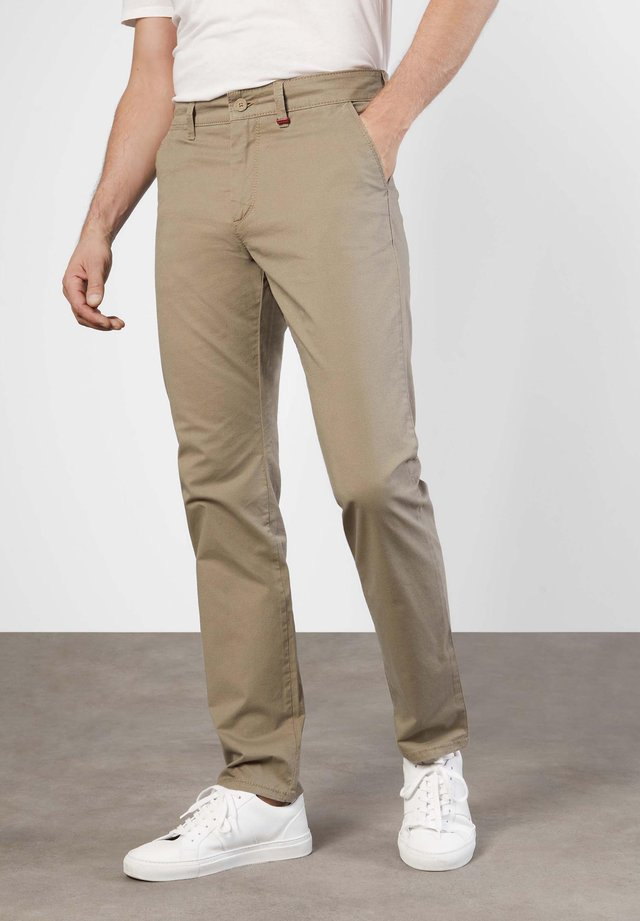 Chinos - toffee brown