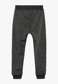 Molo - ALIKI - Pantalones deportivos - silver/black - 1