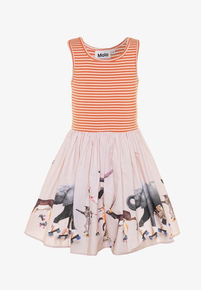 CASSANDRA - Vestito di maglina - light pink