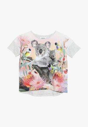 RAEESA - T-shirt med print - light grey/multicolor