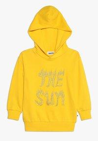 Molo - MADELYN - Jersey con capucha - sun flare - 0