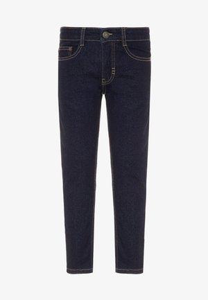 AKSEL - Slim fit jeans - rinse wash
