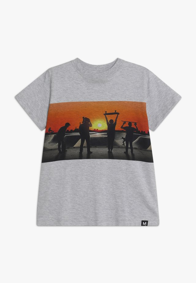 ROAD - T-Shirt print - grey