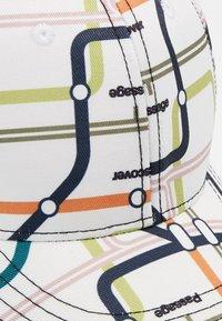Molo - SEBASTIAN - Lippalakki - subway map - 2
