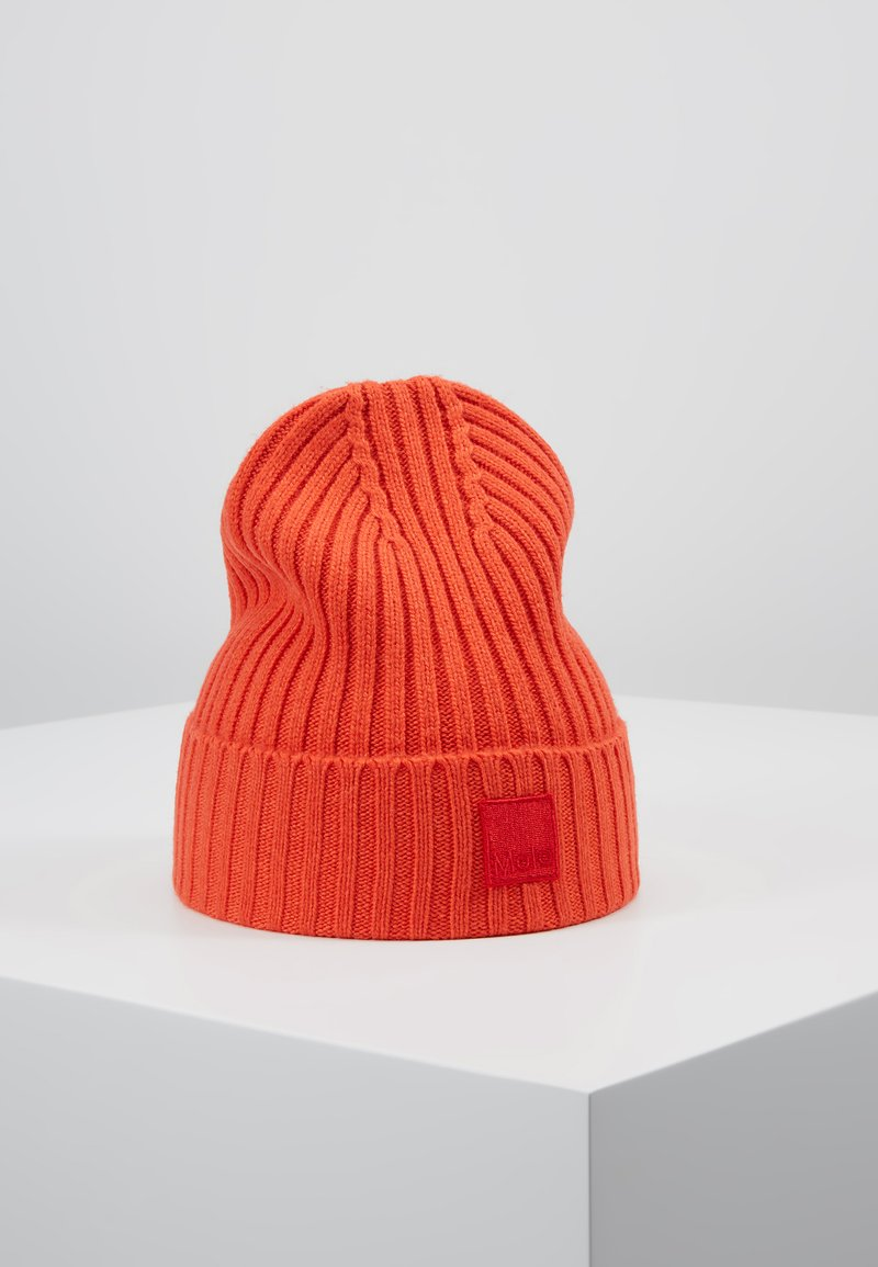 Molo - KARLI - Muts - fiery red