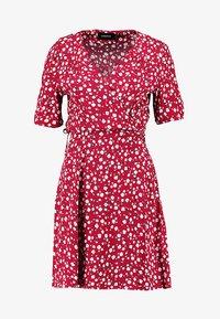 MINKPINK - SHADY DAYS TEA DRESS - Hverdagskjoler - red - 3