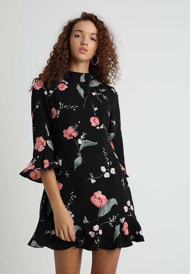 FLORIANA CUT OUT BACK DRESS - Freizeitkleid - multi