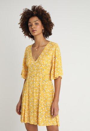 SUMMER DAISY TEA DRESS - Day dress - golden yellow