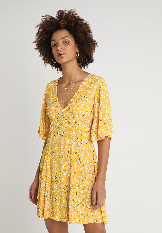 SUMMER DAISY TEA DRESS - Korte jurk - golden yellow