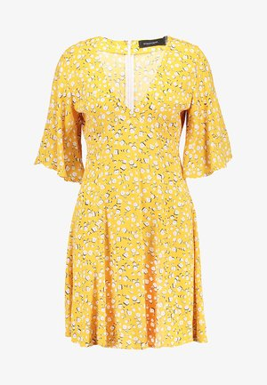 SUMMER DAISY TEA DRESS - Denní šaty - golden yellow