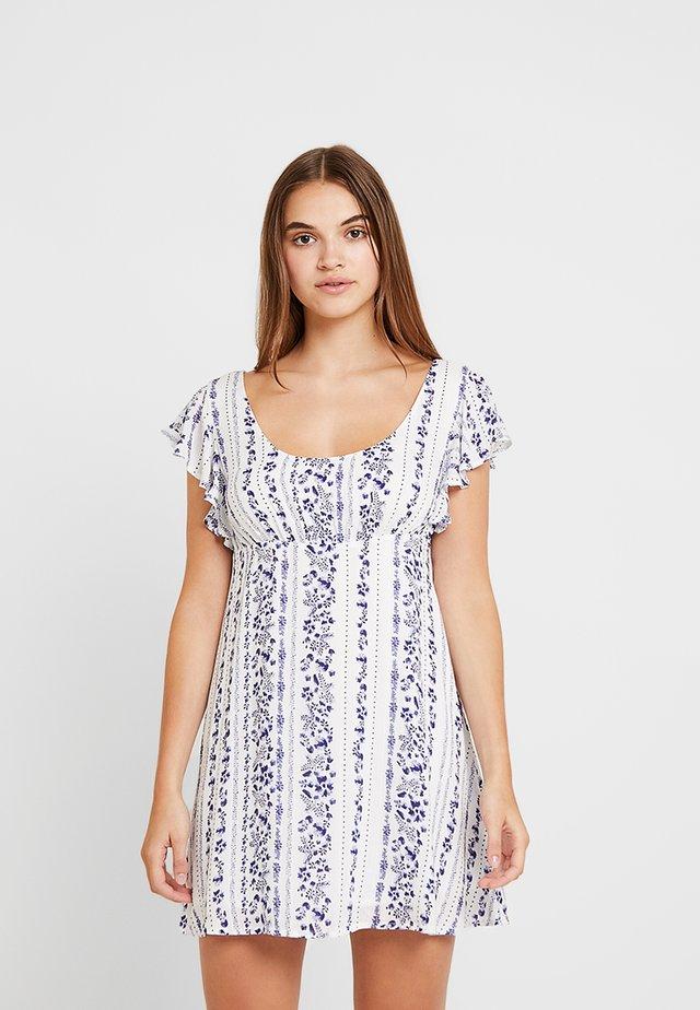 FALLING BLOSSOMS MINI DRESS - Denní šaty - white/blue