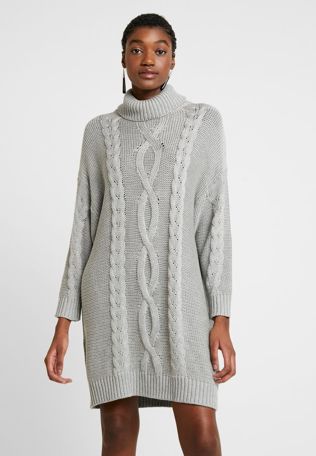 JANINE CABLE JUMPER DRESS - Gebreide jurk - grey marle