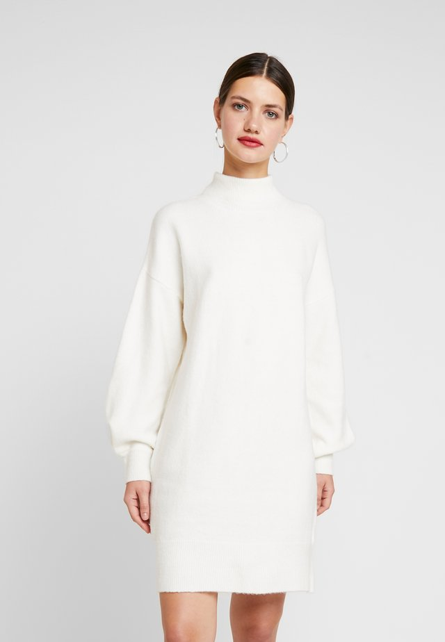 STRIPE ME UP DRESS - Gebreide jurk - white