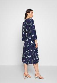 MINKPINK - FLORAL - Denní šaty - blue/white - 2