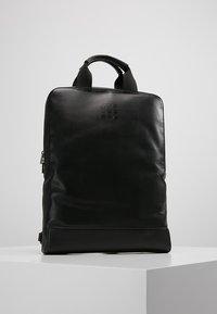 Moleskine - CLASSIC DEVICE BAG VERT - Rygsække - black - 0