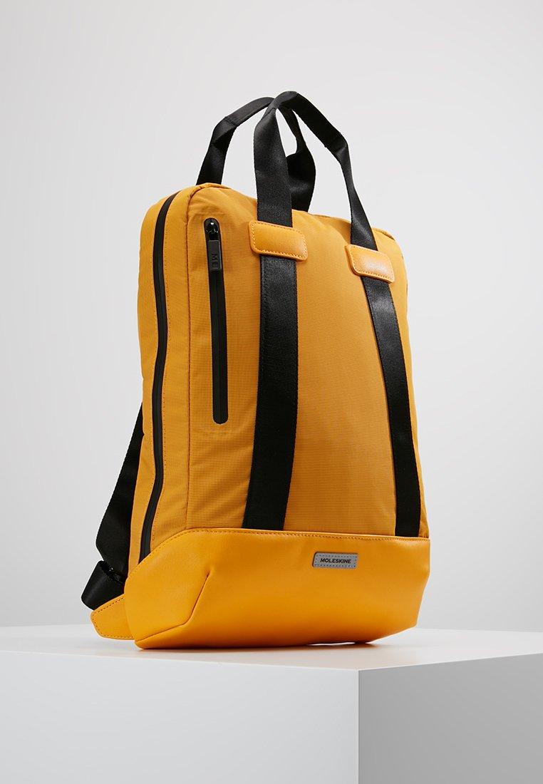 Moleskine Vertical Device Bag - Sac À Dos Orange Yellow