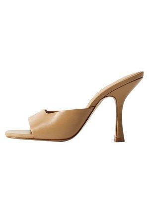 LUTE - Sandały na obcasie - braun