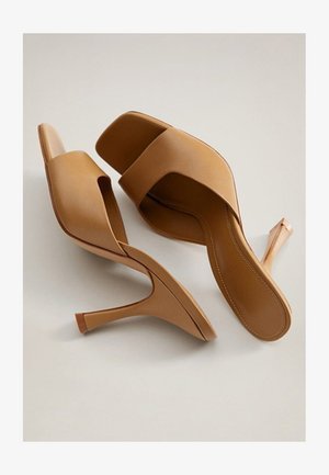 LUTE - High heeled sandals - braun