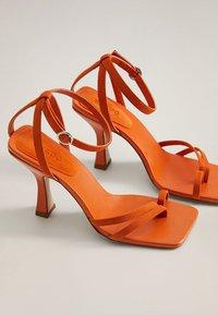 Mango - ALTO - Sandaler med høye hæler - orange - 3