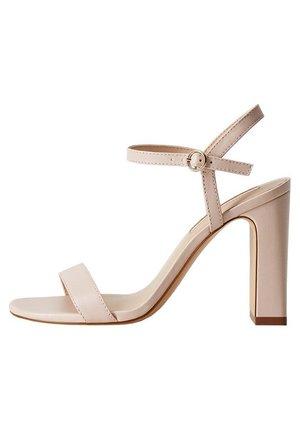 AIR - Sandały na obcasie - nude