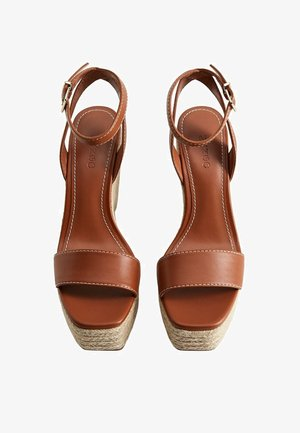 PUNTO - High heeled sandals - mittelbraun