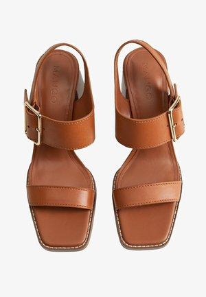 YONG - Sandals - mittelbraun