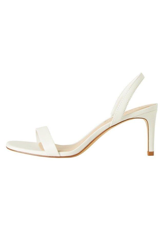 CORA - Sandaler - cremeweiß