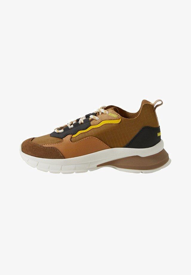 HABIT - Sneakers - okker