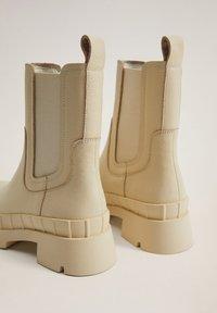 Mango - RAIN-I - Platform ankle boots - blanc cassé - 4