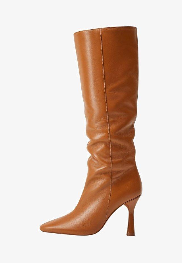 YOYO - High heeled boots - średni brązowy