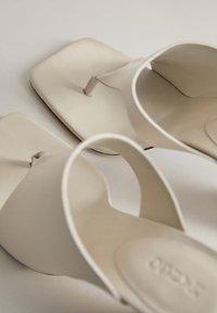 Mango - PAULA - Korolliset pistokkaat - Ivory white - 6