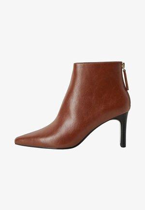 TEA - Classic ankle boots - orange