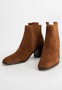 Mango - DESERT - Cowboy/biker ankle boot - brown - 2