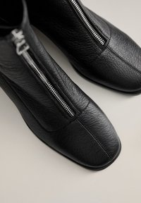 Mango - ZAPE - Classic ankle boots - schwarz - 6